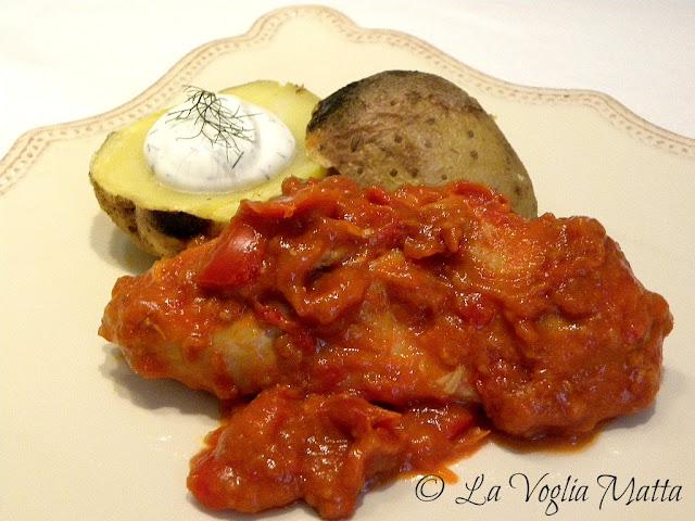 pollo al tegame con pomodoro e paprika affumicata
