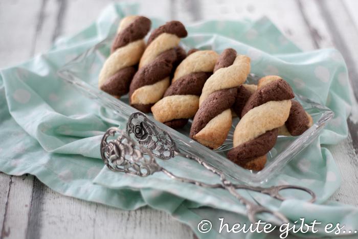 treccine italienisches schwarz-weiß-gebaeck kekse