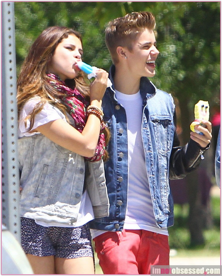 Hd Wallpapers Justin Bieber And Selena Gomez Pictures