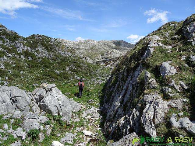 Ruta al Cantu Ceñal: De la Majada las Fuentes al Collado el Jito