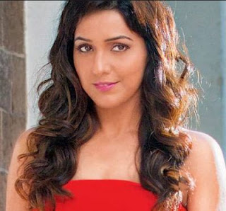 Neeti Mohan Family Husband Son Daughter Father Mother Marriage Photos Biography Profile.