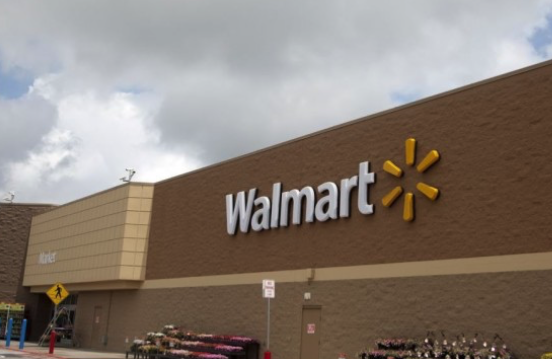 Walmart shares dive as e-commerce growth slows