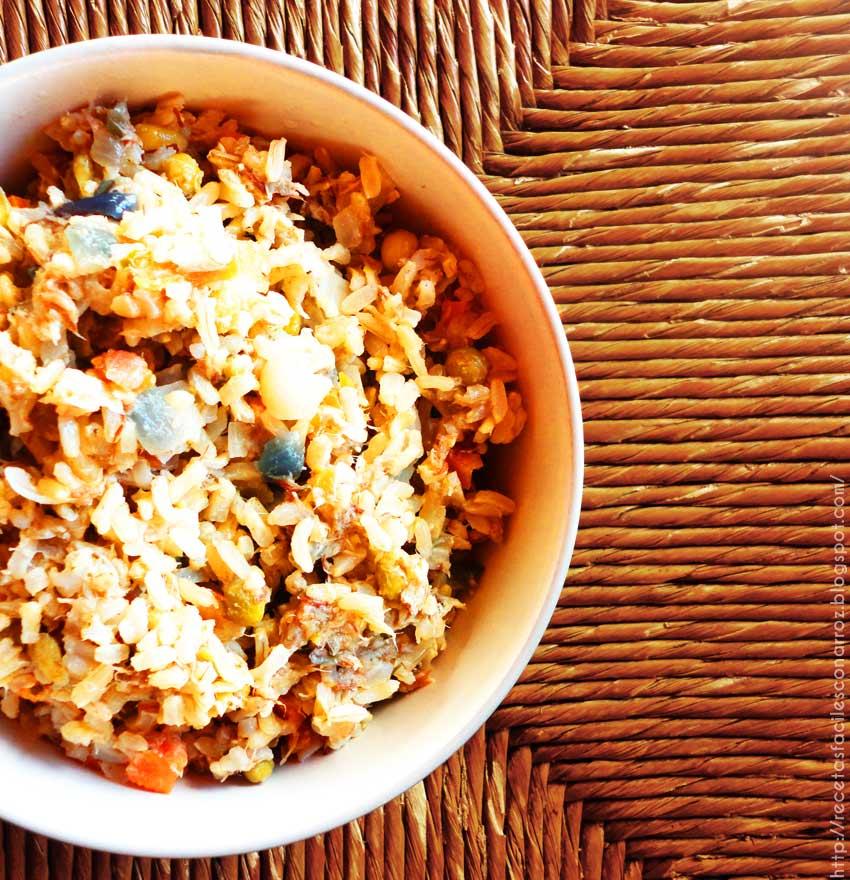 arroz con pescado y verduras