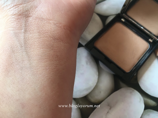 rival de loop camouflage make up 01 natural swatches