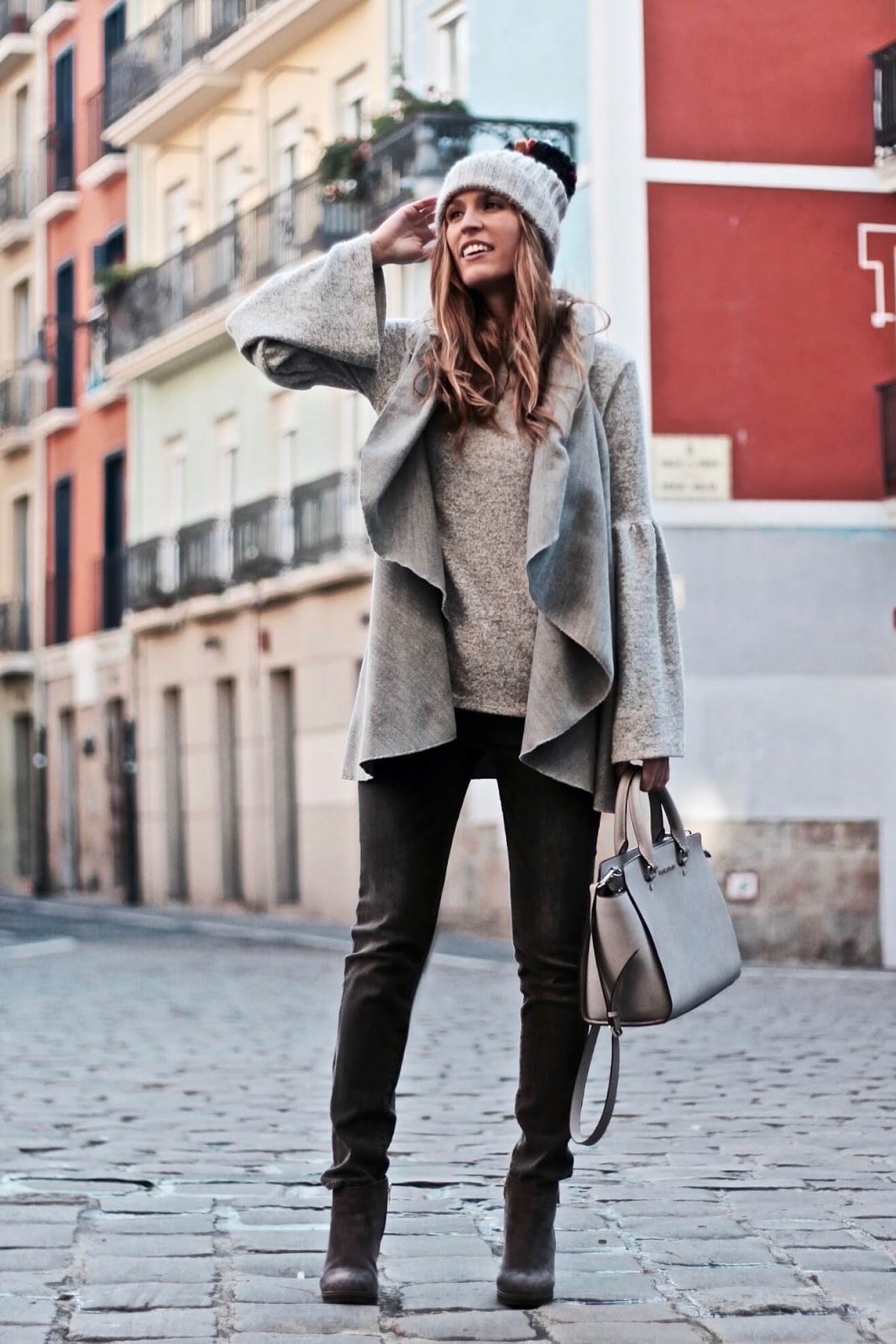 total look in grey