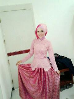 Kebaya Hijab Untuk Wisuda