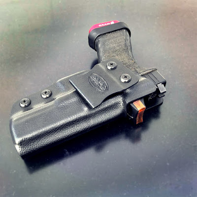 rmr cut iwb holster, pistol red dot sight, red dot holster, iwb holster, kydex holsters, ccw holster