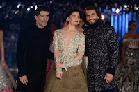 Alia Bhatt and Ranveer Singh walks the ramp for Manish Malra during Indian Couture Week 2017 Grande Finale  7 ~  Special 007.jpg