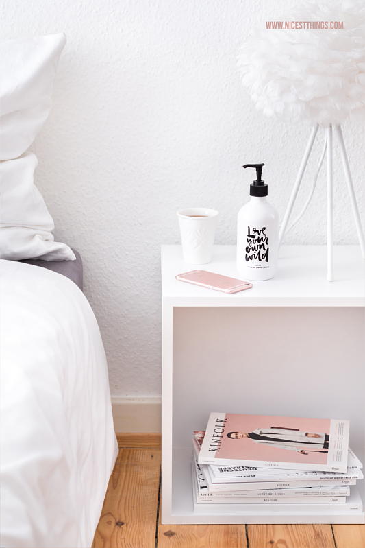 Bedroom / Bedside Table White Muuto / Vita Eos Lamp