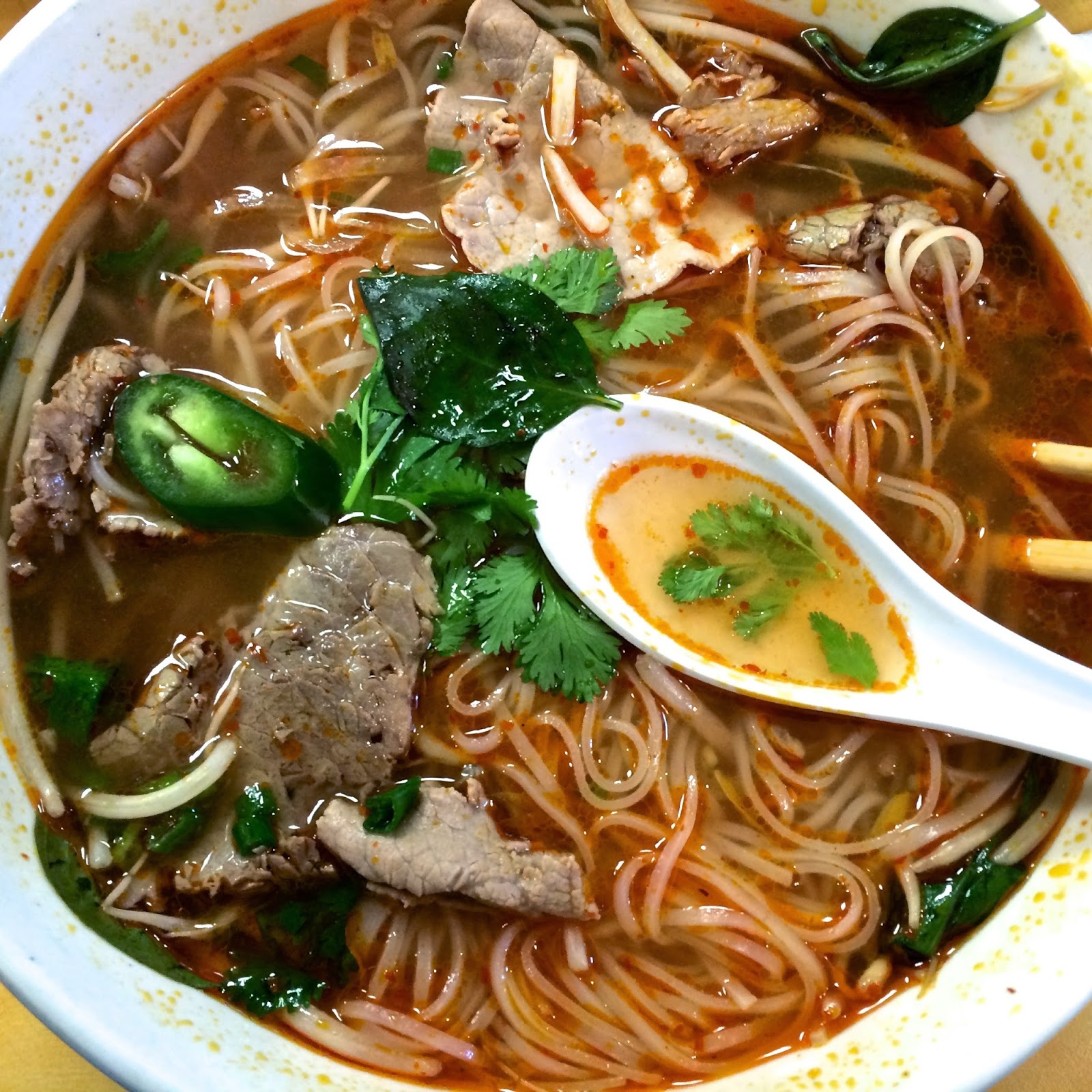 Dream Berrie Café's Pho Tai Chin: Rare Eye Round & Well Done Brisket $7.99