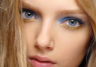 Maquillaje para ojos separados