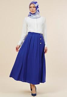Baju kerja muslimah terkini dengan rok panjang