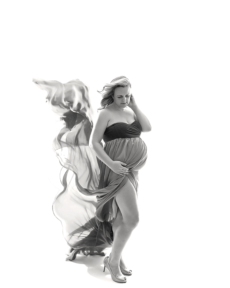 Geneva, IL Maternity Photographer with flowy dresses