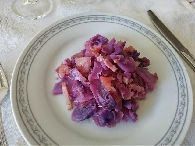 Lombarda con manzana y bacon