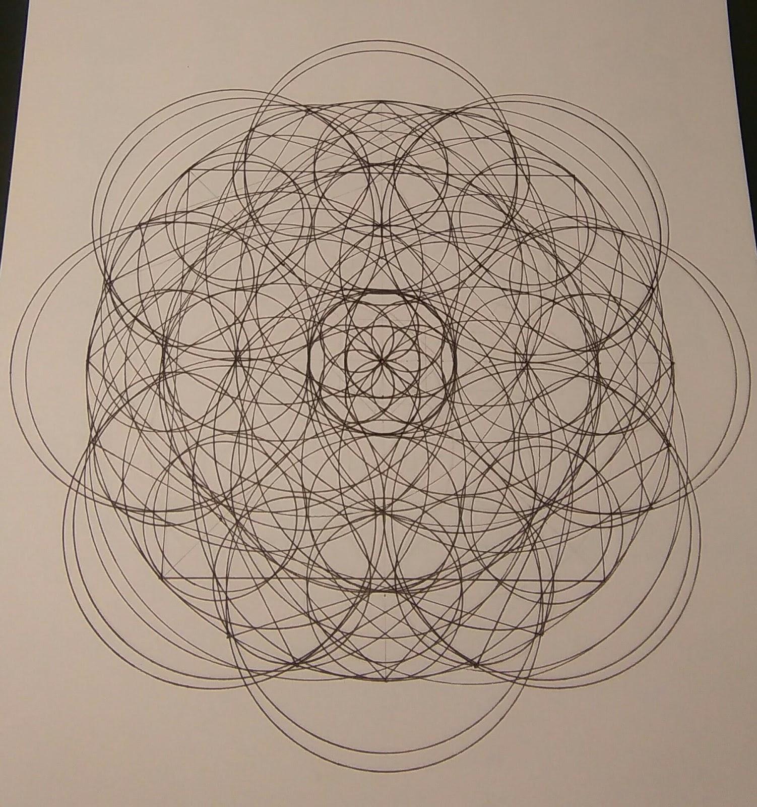 [SPOLYK] - Geometries & sketches - Page 6 47295542_1099554516897898_5235011293496213504_o