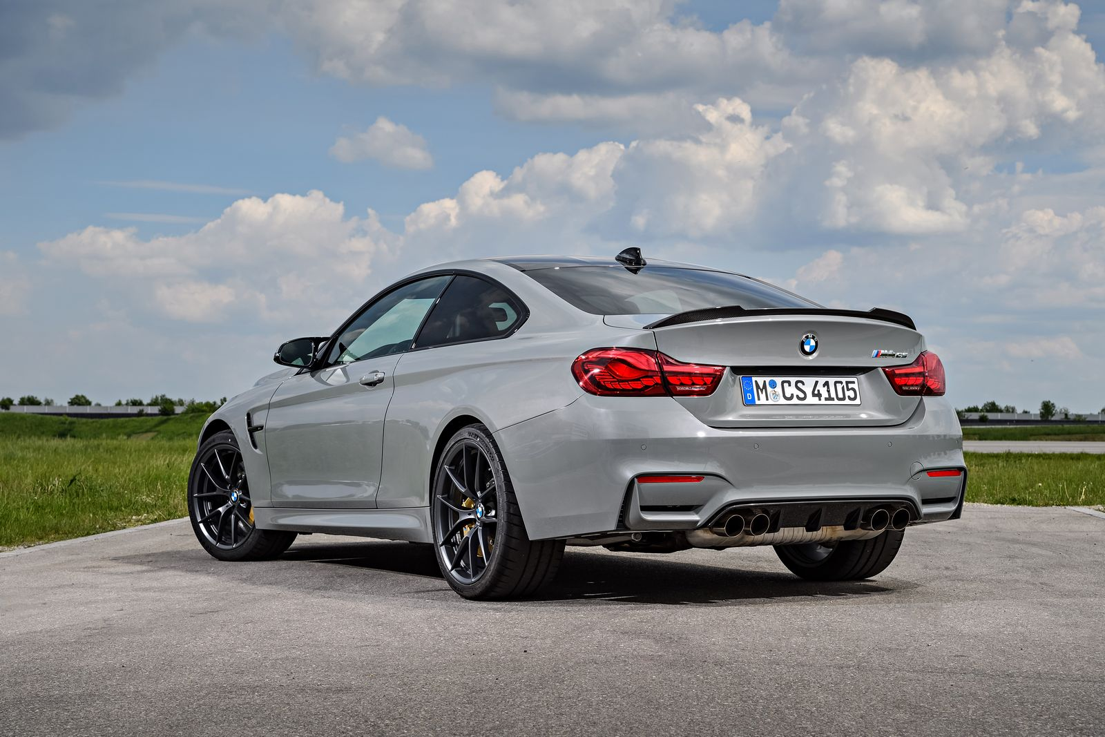 2018 bmw m4 cs stuns in new gallery 186 pics carscoops. Black Bedroom Furniture Sets. Home Design Ideas
