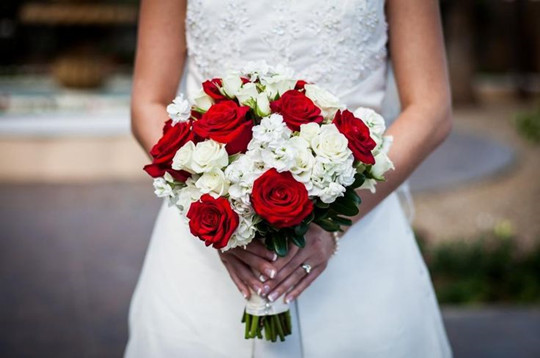 wedding bouquet red and white roses bridal flowers