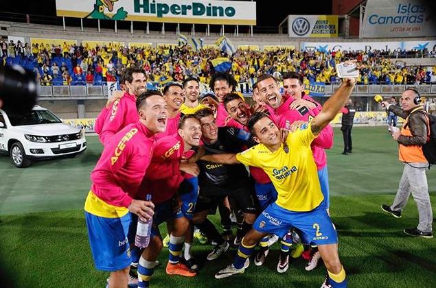 Selfie de los jugadores de UD Las Palmas finalizado el partido