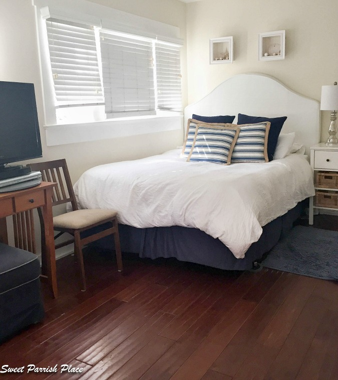 Airbnb cottage in Venice Beach