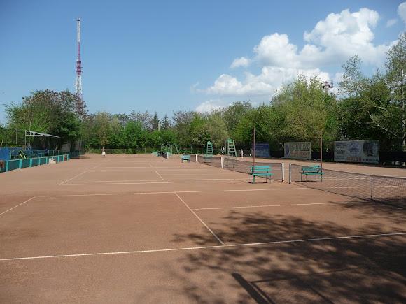 Херсон. Теннисные корты ДСО «Украина»