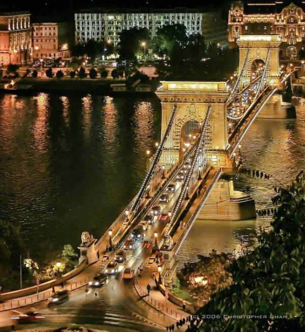 The Szechenyi Chain Bridge, Budapest, Hungary by Christopher Chan