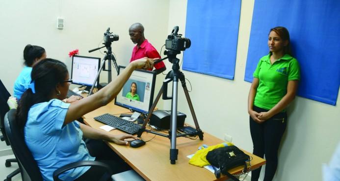 La Junta Central Electoral elimina papel de seguridad en actas para cédula