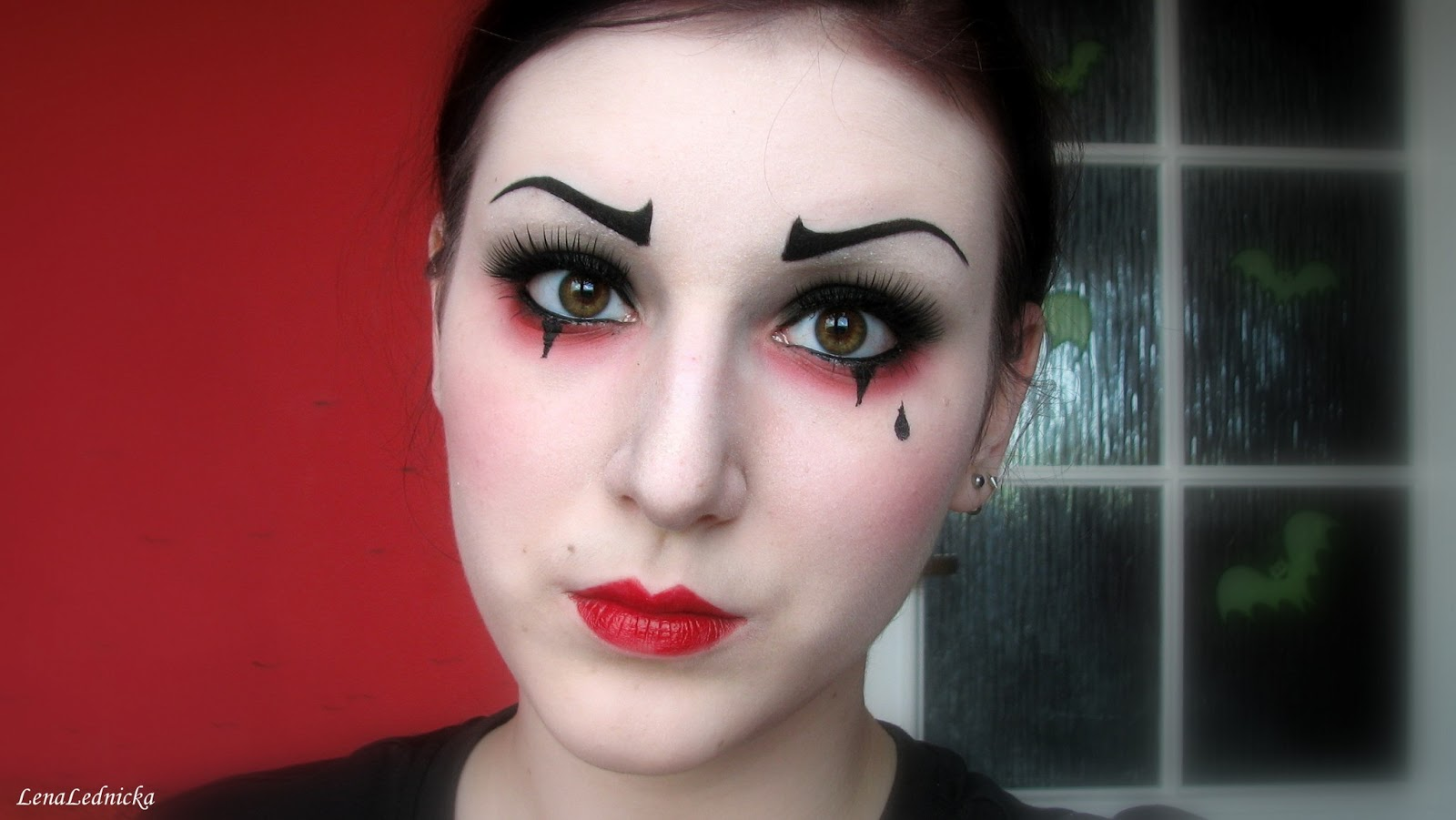 lena lednicka pierrot the clown makeup tutorial. Black Bedroom Furniture Sets. Home Design Ideas