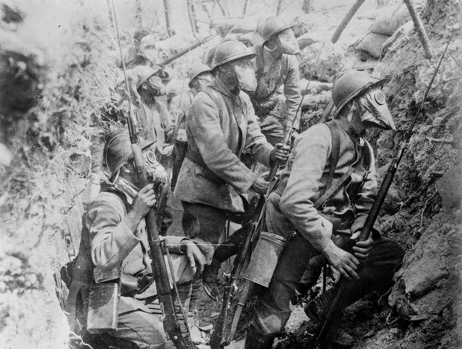 rench soldiers wearing gas masks in a trench, 1917. gas mask technology varied widely during the war, eventually developing into an effective defense, limiting the value of gas attacks in later years.
