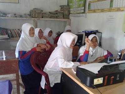 Cerpen Siswa tentang Sekolahku