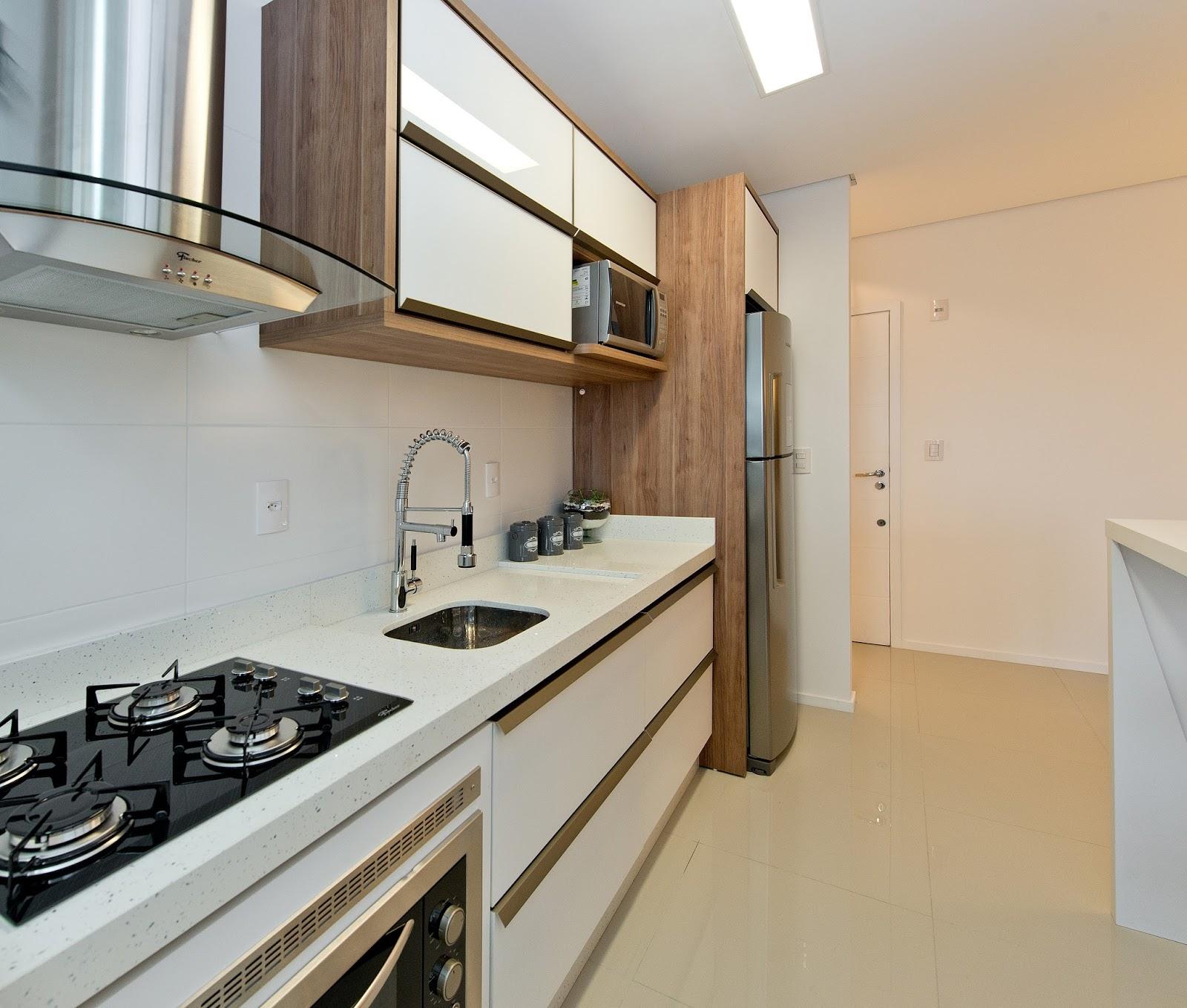 #624B34  Amplia Espaços e Transforma Apartamento Compacto em Grande Lar 1600x1358 px projeto banheiro compacto