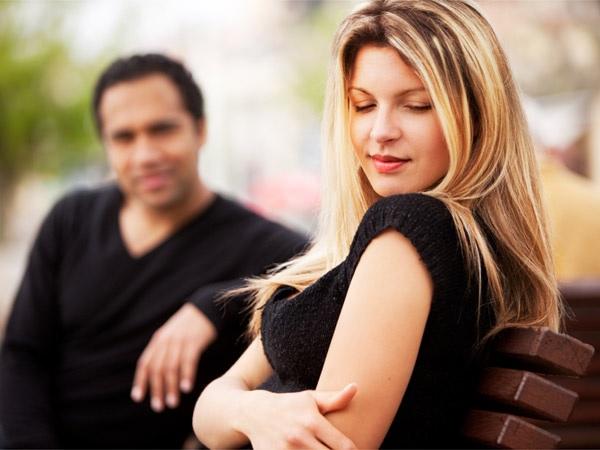 tips-ngobrol-asik-dengan-wanita-kenalan-baru