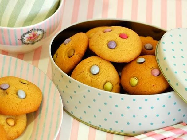 http://www.thepinkcakefactory.com/2014/01/peanut-butter-cookies-galetes-de.html