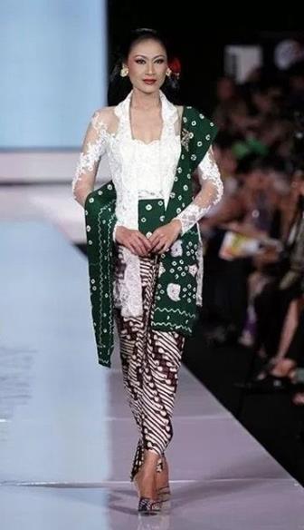 Model Kebaya Kartini Modern Elegan Terbaru