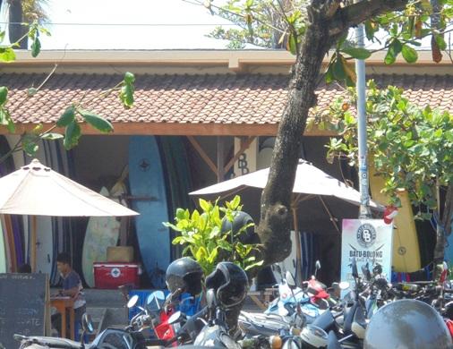 Pantai Batu Bolong Canggu Bali, Batu Bolong Beach Canggu Bali