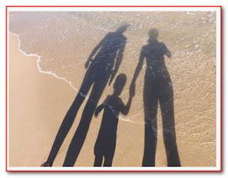 Nên làm gì khi Chồng tôi nhu nhược, nghe lời mẹ và chị gái nhà chồng?