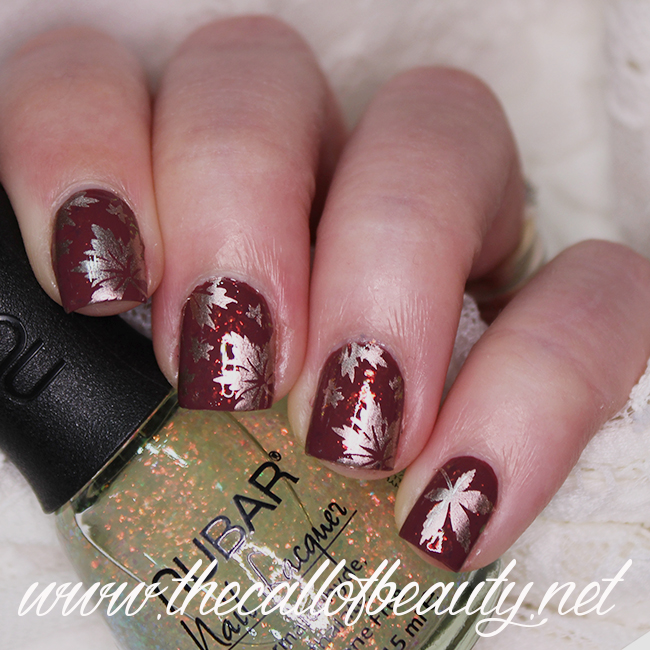 Flakie Leaves Manicure