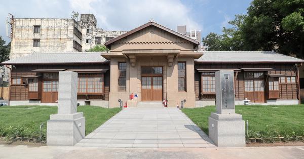 台中烏日警察官吏派出所百年歷史建築,日式木造房屋台中特色警局
