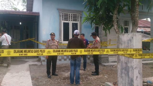 Personel BNN dan polisi mengamankan rumah tersangka yang menyimpan sabu 31 kg di Tanjungbalai.