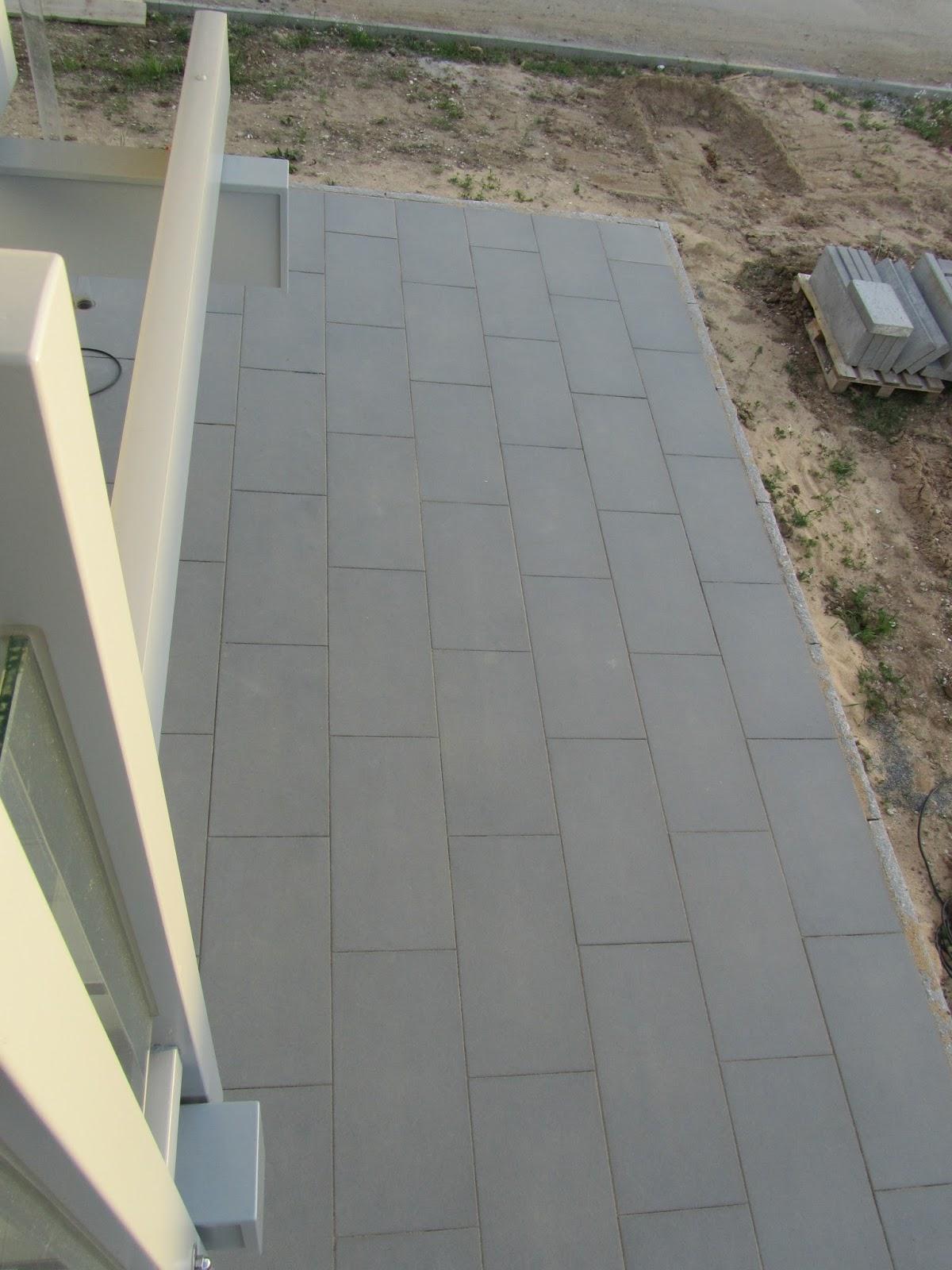 terrassensteine versiegeln terrasse richtig reinigen hausmittel tipps betonplatten gr ndlich. Black Bedroom Furniture Sets. Home Design Ideas