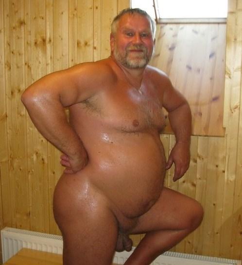 Desnudo gordo y viejo tpg