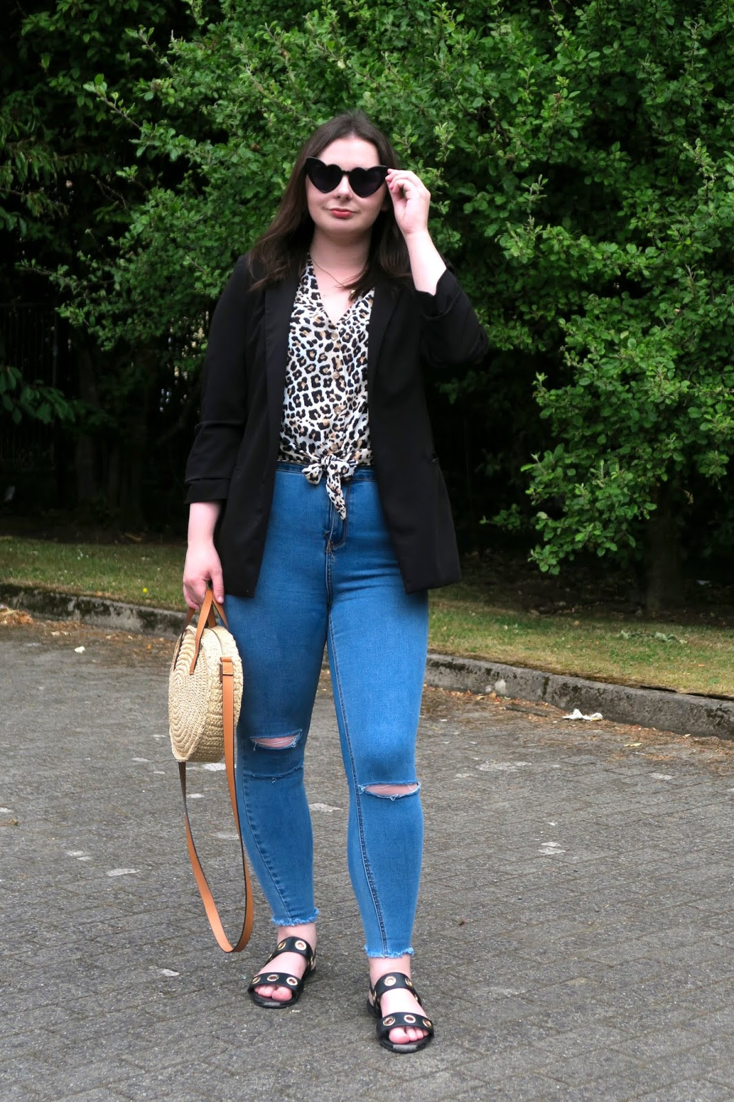 How to wear leopard print- leopard tie front shirt