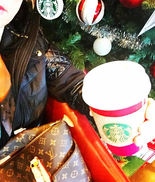 seattle, seattleblgoger, fashion, fashionblogger, fashionover40,fiftyandfabulous,publishedwriter, fashionwriter, theholidays, giveback, holidaygiving,3waystogiveback, holidaysinseattle