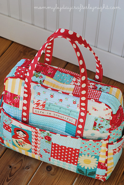 0fa07dffc I used Oh Deer! Twill Cherry Dot fabric for the handles and piping.