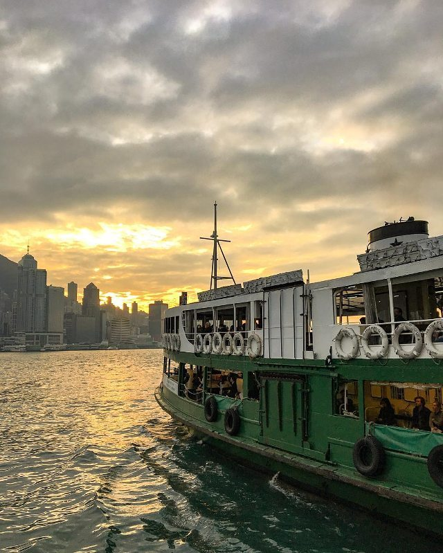 Star Ferry Cruise Sunset in Hong Kong