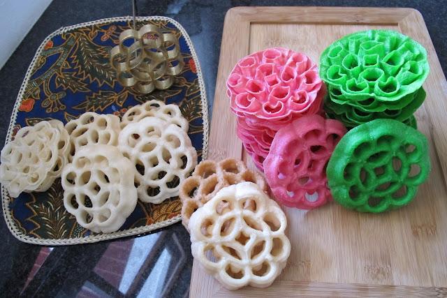 Cara Mudah Membuat Kue Kembang Goyang Enak Renyah, Spesial Resep Kue Hari Raya 2017