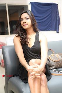 Telugu Actress Kamna Singh Stills in Black Dress at Bharat Thakur Art Exhibition Launch  0154.jpg