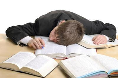 Mengapa Mahasiswa Malas Belajar? Berikut Ini Penyebab Mahasiswa Malas Belajar