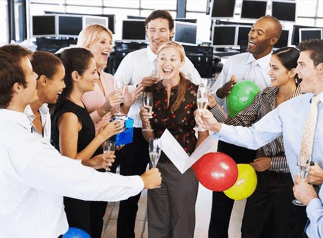 Tư vấn lựa chọn quà tặng đồng nghiệp vừa ý nghĩa vừa sang trọng