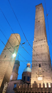 Traveling: Bologna baby! Torre Asinelli