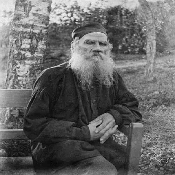 Leo-Tolstoy-Biography-قصة-حياة-ليو-تولستوي